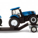 New Holland Semi with T8.275 & T8.330